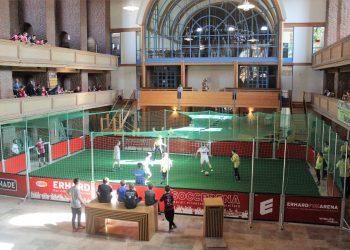 Kicken in der Kirche: Nürnberger KonfiCup 2019
